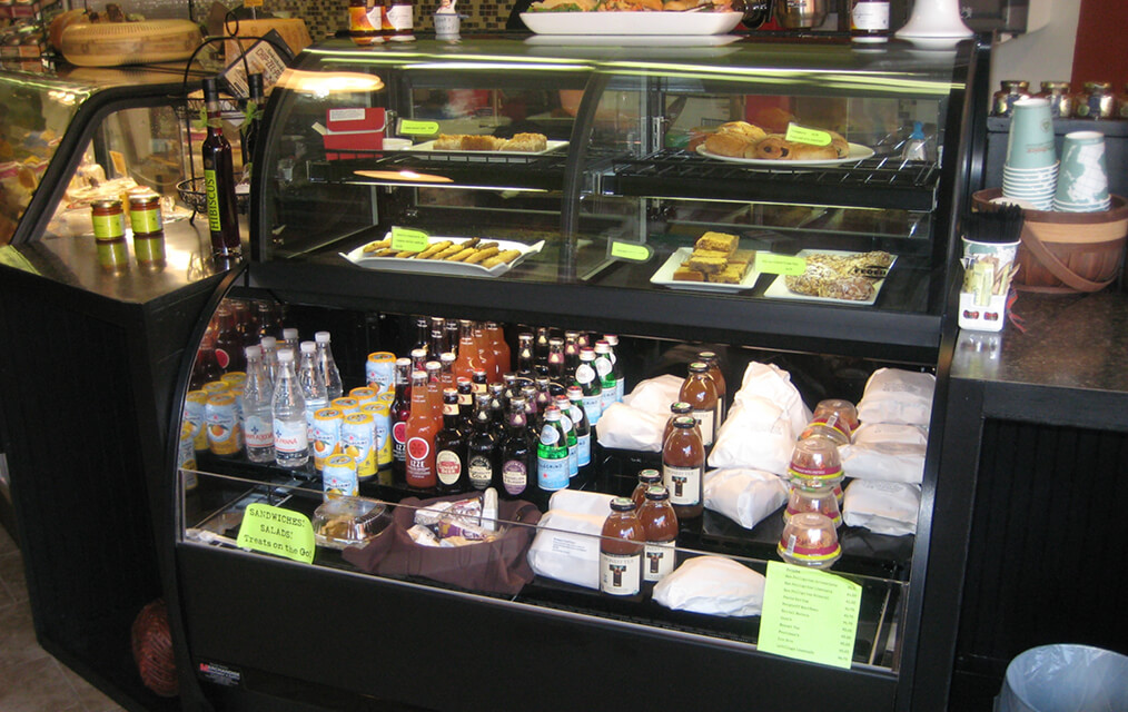 CONVERTIBLE SERVICE OVER REFRIGERATED SELF-SERVE SPECIALTY MERCHANDISER FIELD IMAGE